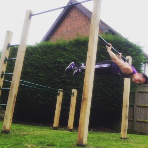 outdoor pull up and dip bars